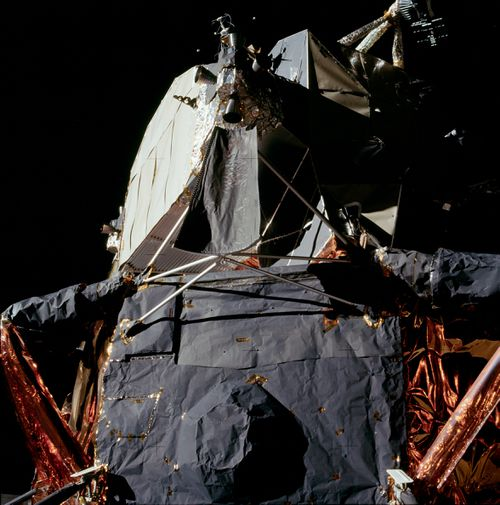 "Picture of the alleged ""lunar lander"""